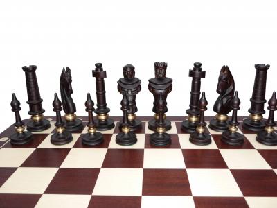 Шахматные фигуры декоративные черные