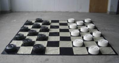 Гигантские ШАШКИ - готовый комплект: шашки + доска