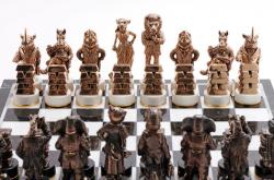 """Комплект шахмат """"Московский бизнес"""" - общий план белые фигуры"""