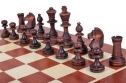 Шахматные фигуры Стаунтон 4, черные, расставленные на доске